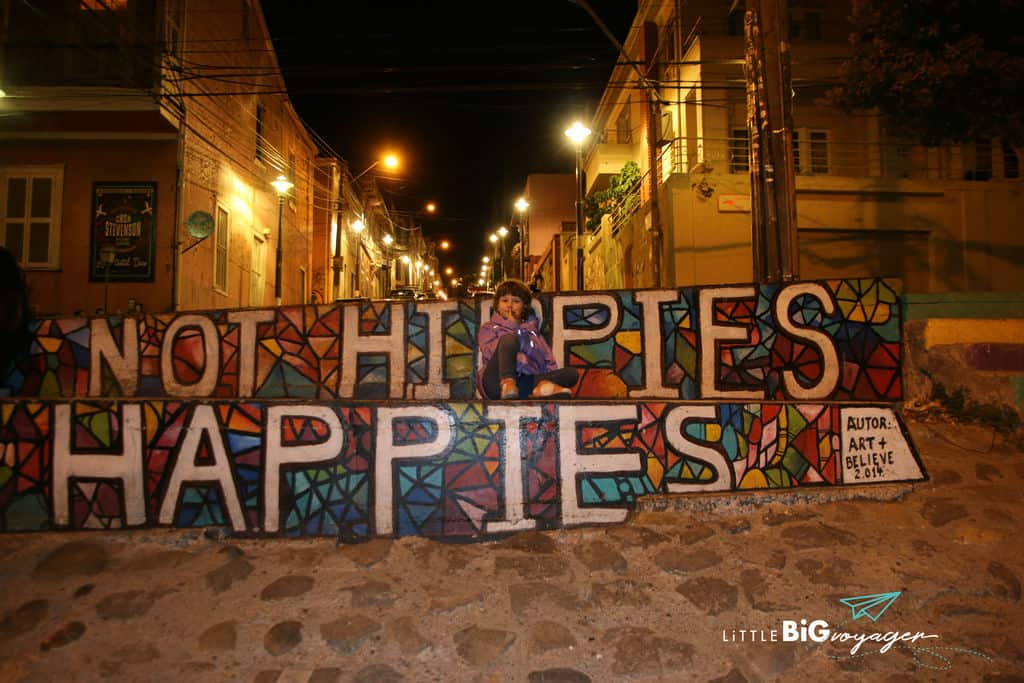 happies no hippies wallpainting Valpariso