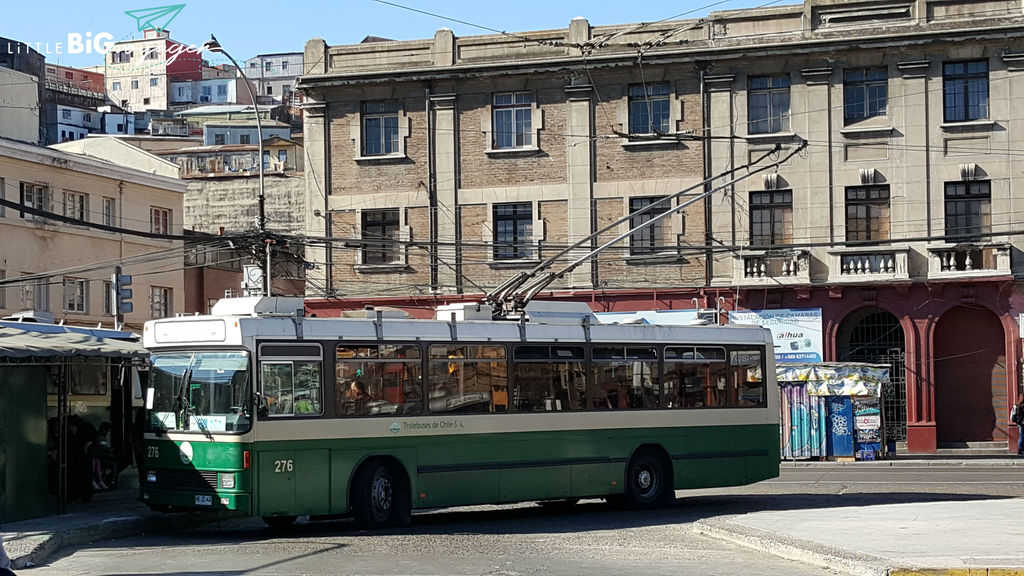 This is an operating trolleybus in Valparaiso